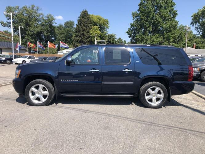2008 BLUE CHEVROLET SUBURBAN 1500 LS (3GNFK16398G) with an 5.3L engine, Automatic transmission, located at 1056 E Riverside Dr, Evansville, IN, 47714, (812) 423-7026, 0.000000, 0.000000 - Photo #0